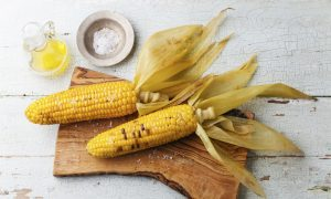 Corn on the Cob With Spicy Flax Sauce