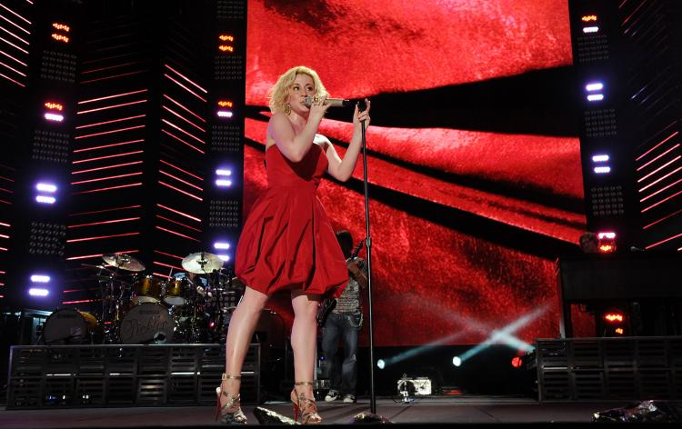 Kellie Pickler performs during the 2010 CMA Music Festival on June 13, 2010 in Nashville, Tennessee.  (Rick Diamond/Getty Images)