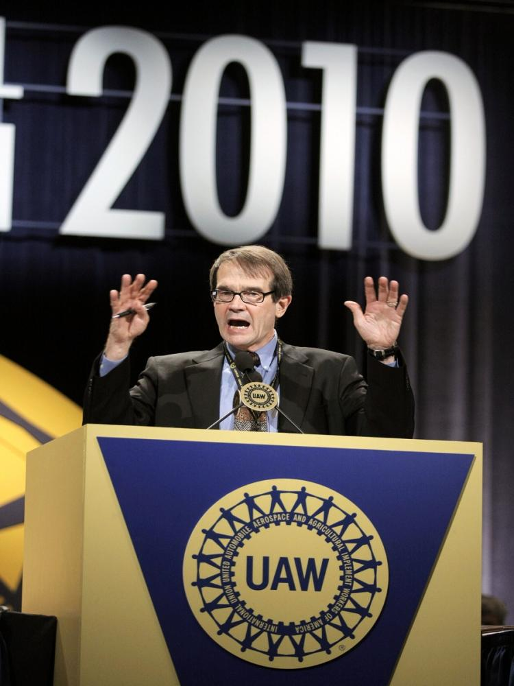 REACHING OUT: Then newly-elected United Auto Workers president, Bob King, delivers his first speech as president at the closing of the the 2010 UAW Constitutional Convention June 17, 2010 in Detroit, Mich. King is reaching out to non-union auto companies  (Bill Pugliano/Getty Images)