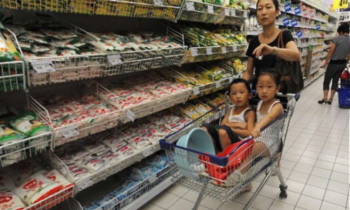 Shopping at a supermarket in Hefei. Chinese perpetually worry about food safety. (STR/AFP/Getty Images)