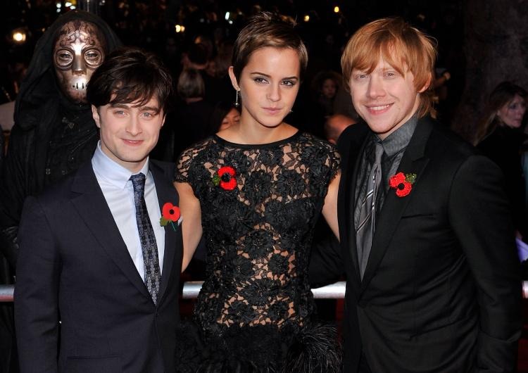 (L-R) Daniel Radcliffe, Emma Watson and Rupert Grint attend the Harry Potter And The Deathly Hallows: Part 1 World film premiere at Odeon Leicester Square on November 11, 2010 in London, England. (Gareth Cattermole/Getty Images)