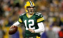 Aaron Rodgers Says Anthony Barr Made Offensive Gesture After Hit