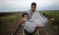 Migrants Flood Into Germany, Enjoy Positive Welcome