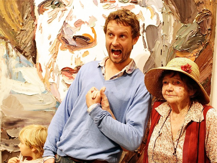 Archibald Prize winner Ben Quilty with Margaret Olley, after being announced as the winner of the Archibald Prize for his portrait of Margaret Olley. (Brendon Thorne/Getty Images)