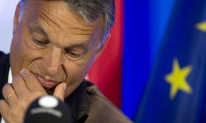 Hungary Suggests Aiding Syria's Neighbors to Halt Migrants