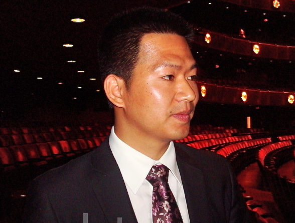 Mr. Guo attends Shen Yun