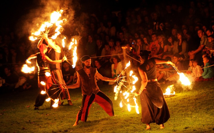 "Fire artists of the group ""Seelenfunken"""