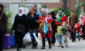 Germany Starts Austria Border Checks to Limit Migrants