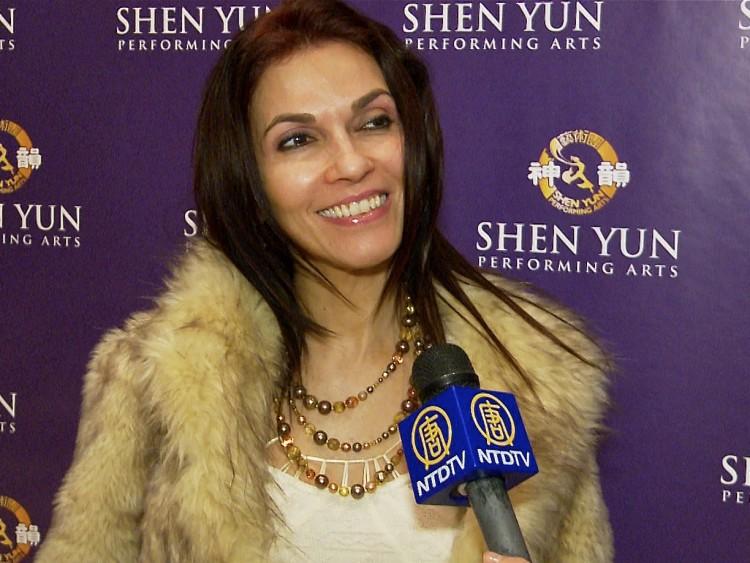 Yamira Santieli  at Shen Yun