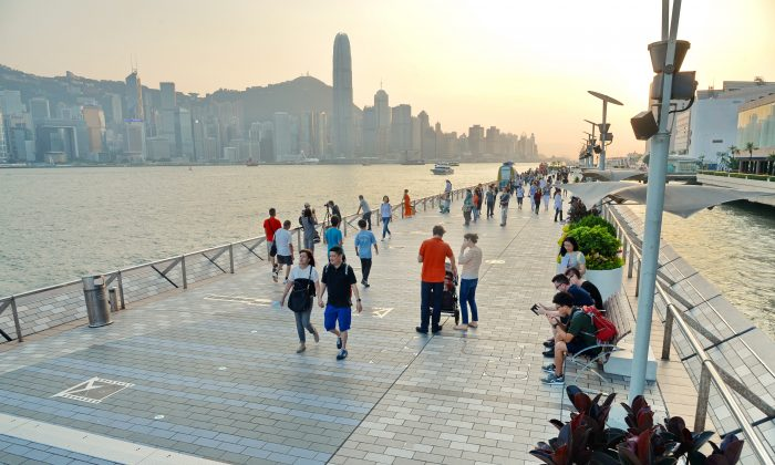 Avenue of Stars at waterfront in Tsim Sha Tsui, Kowloon on Sept. 10, 2015. (Epoch Times)