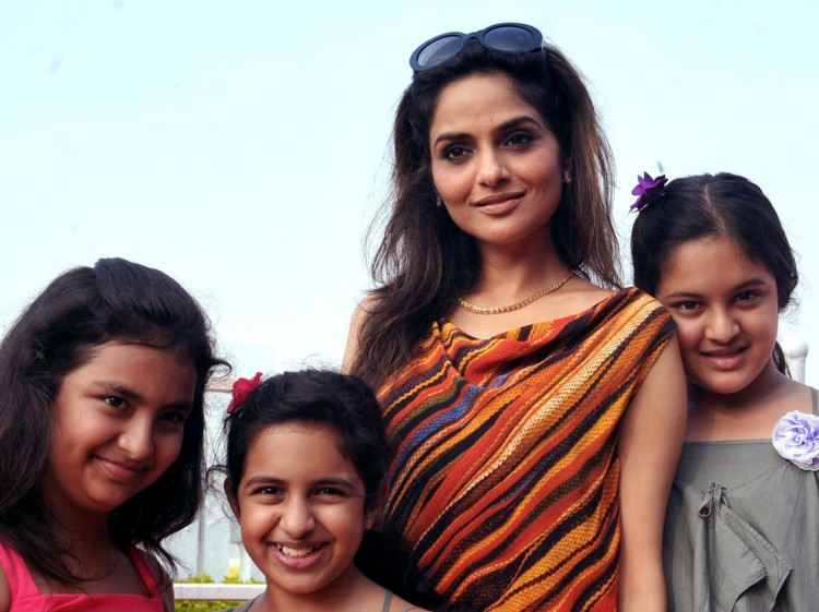 India Actress and Daughters