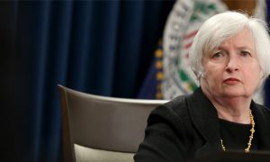 Fed Leaves Key Interest Rate Unchanged, Citing Low Inflation