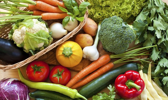 Drinking plenty of fluids, eating plenty of fresh vegetables, and avoiding greasy food will to balance your body and help it to adjust to the coming heat. (AnaBGD/iStock)