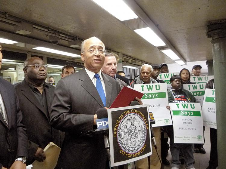 STATION AGENTS: City comptroller Bill Thompson and the Transit Workers Union protest the MTA's plan to phase out service agents. They say that it would significantly compromise safety in the subway. (Christine Lin/The Epoch Times)