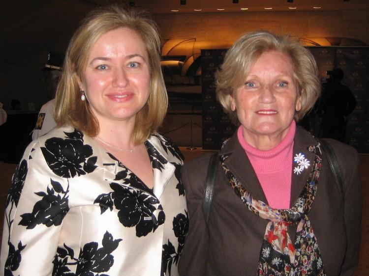 Maribel Becker (L), Senior Director of Ad Operations at MTV Networks