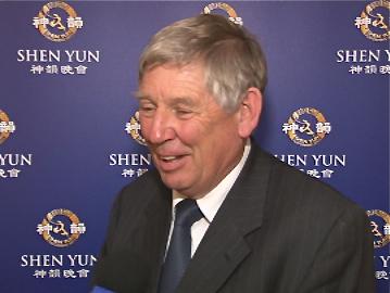 Mayor Garry Daniell attended Shen Yun