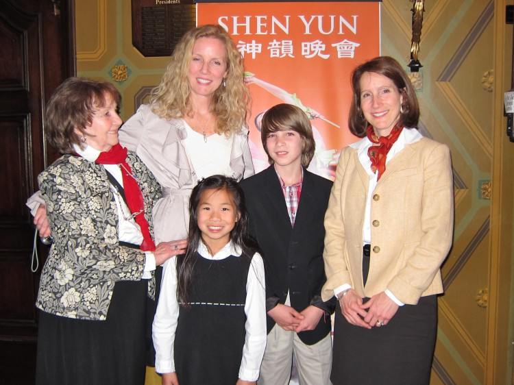 Regina Shillinglaw; son,Jackson; daughter Mei Mei; sister,Leslie Dillingham; and mother, Ruth Palmer attend Shen Yun