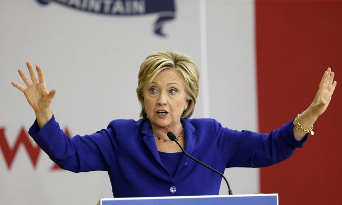 Democratic presidential candidate Hillary Clinton speaks at a campaign stop in Des Moines, Iowa, on Sept. 22, 2015, where she told voters she opposes the Keystone XL project. The next day she released a policy paper calling for a Canada-U.S.-Mexico climate-change plan. (AP Photo/Charlie Neibergall)