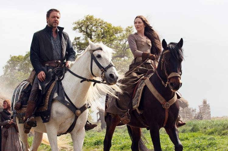AUSSIES: Robin (Russell Crowe) and Maid Marian (Cate Blanchett) in the epic adventure 'Robin Hood.'