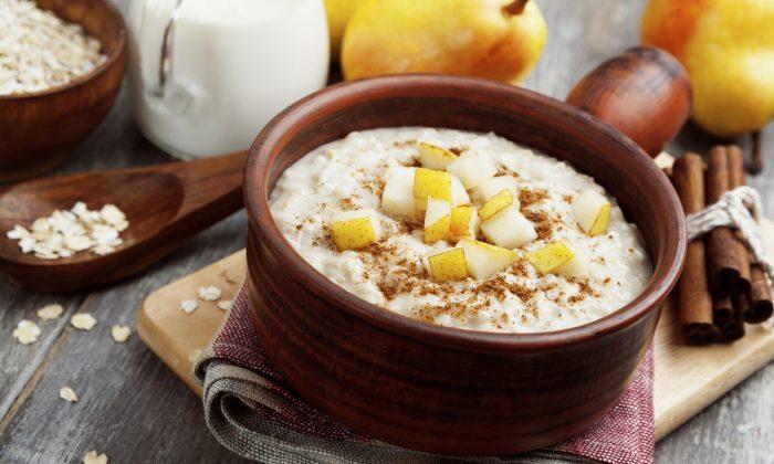 Porridge with pear and cinnamon in the bowl (minadezhda/iStock)
