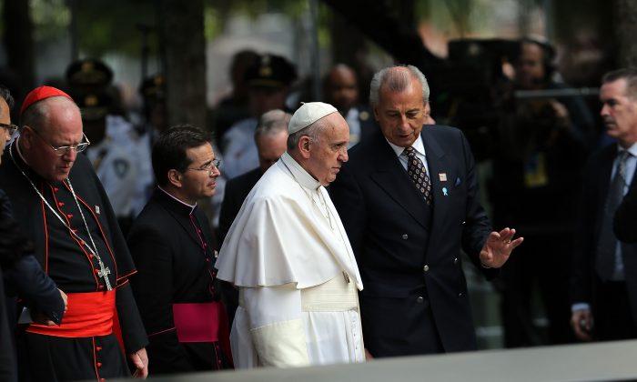 Pope Francis enters the Ground Zero memorial grounds on September 25, 2015 in New York City. (Spencer Platt/Getty Images)