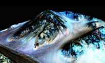 NASA: Streaks of Salt on Mars Mean Flowing Water, and Raise New Hopes of Finding Life