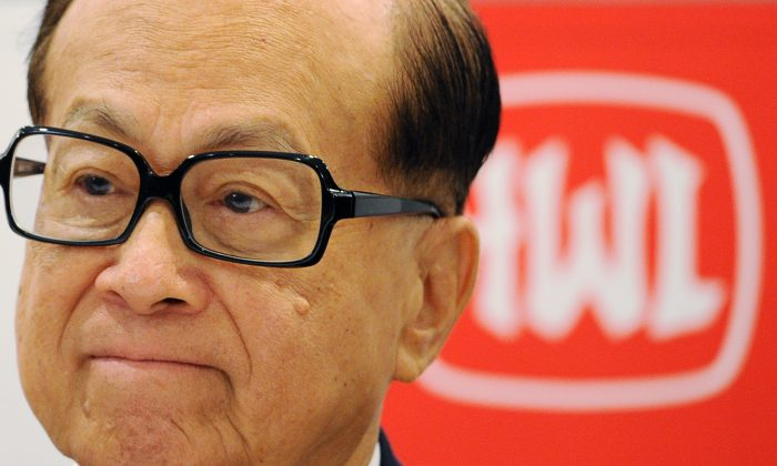 Hong Kong billionaire Li Ka-shing of Hutchison Whampoa attends the company's annual results announcement in Hong Kong on March 29, 2011. (Ed Jones/AFP/Getty Images)