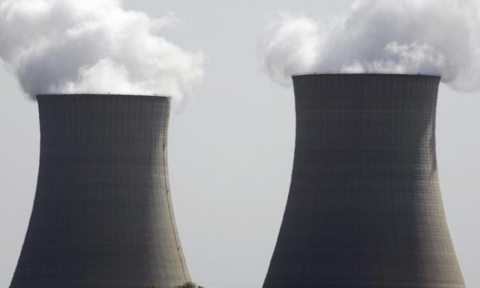 Coal-fired power plants in 31 states may soon face a new set of regulations. The U.S. Environmental Protection Agency (EPA) has recently proposed a plan to cut pollution. (Jeff Haynes/Getty Images)