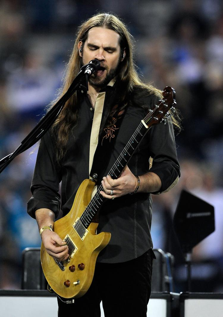 Bo Bice former star of 'American Idol' performing in December 18, 2008 in Jacksonville, Florida. Bice recently announced that he will donate the proceeds of his new single 'Long Road Back' from his upcoming album '3,' to Tennessee flood victims.  (Sam Greenwood/Getty Images)