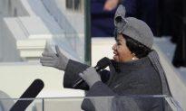 Aretha Franklin Visited by Jesse Jackson, Stevie Wonder: Reports