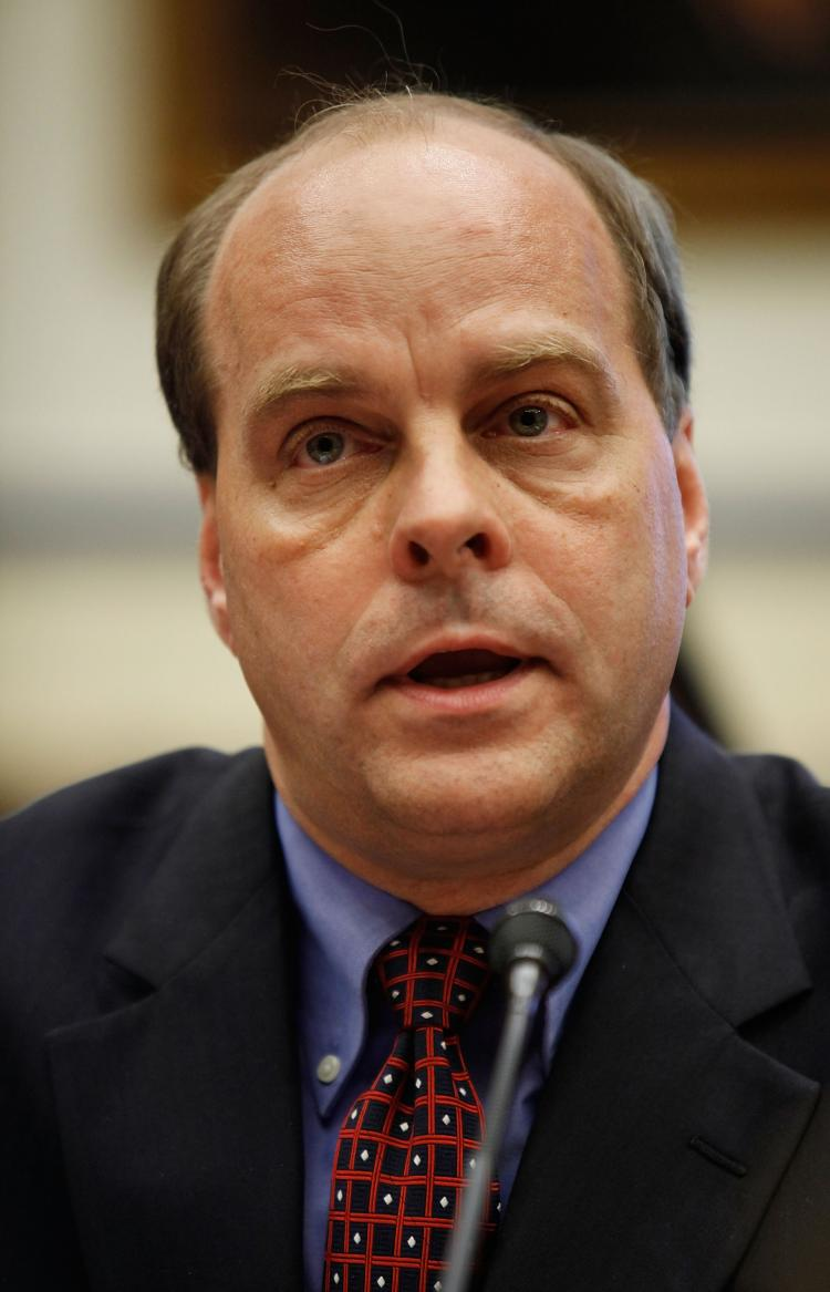Hank Krakowski testifies before a hearing of the House Committee on Transportation and Infrastructure about the August 13 mid-air collision of a small plane and a tourist helicopter over the Hudson River Sept. 16, 2009 in Washington. (Chip Somodevilla/Getty Images)