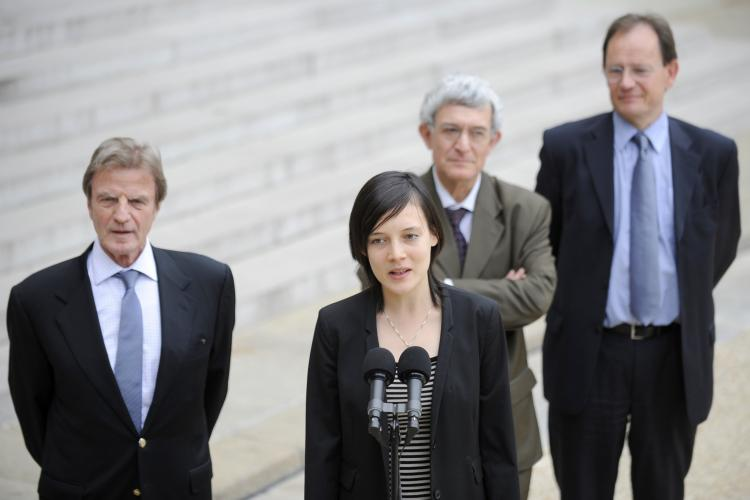 French academic Clotilde Reiss speaks to journalists next to her father Remi Reiss (R), French Ambassador to Iran Bernard Poletti (2nd R) and French Foreign Affairs Minister Bernard Kouchner (R) at the Elysaee Palace in Paris, after returning to France. (Lionel Bonaventure Getty Images)