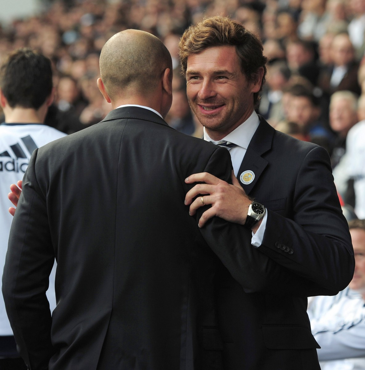 Tottenham manager Andre Villas-Boas greets Chelsea manager Roberto Di Matteo prior to their teams' clash on Saturday in the English Premier League. (Shaun Botterill/Getty Images)