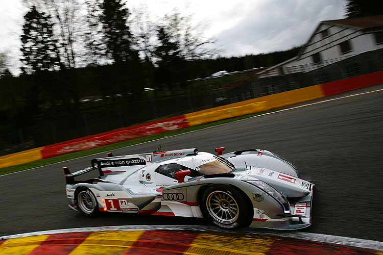 The #1 Audi R18 e-tron Quattro was quickest in Thursday's second practice session.(audi-motorsport.info)