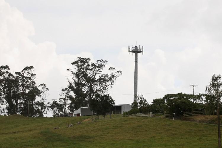 An ultra fast broadband tower