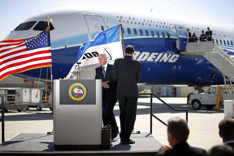 Debut Of New 787 Dreamliner