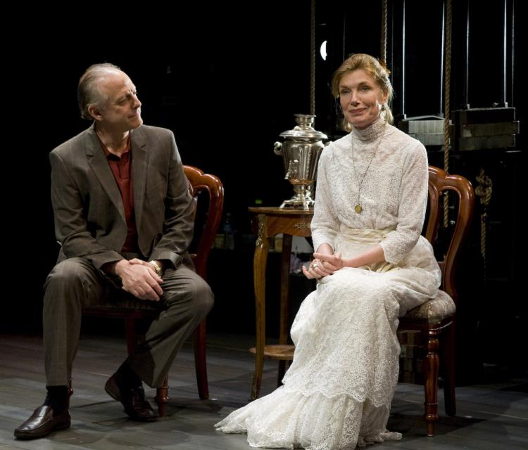 (L-R) Mark Blum as Dan and Susan Sullivan as actress Amanda in the Primary Stages production of A.R. Gurney's new comedy,