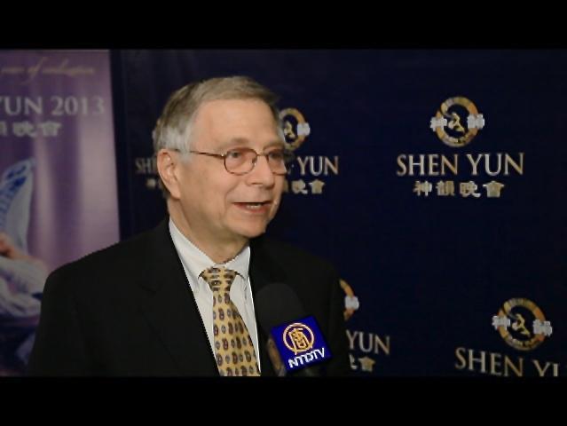 Ray Zuckerman enjoys Shen Yun
