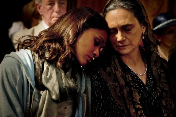 FAMILY TIES: Zoe Saldana and Ofelia Medina in a scene from the action-adventure-drama 'Colombiana.' (Sony Pictures Entertainment)