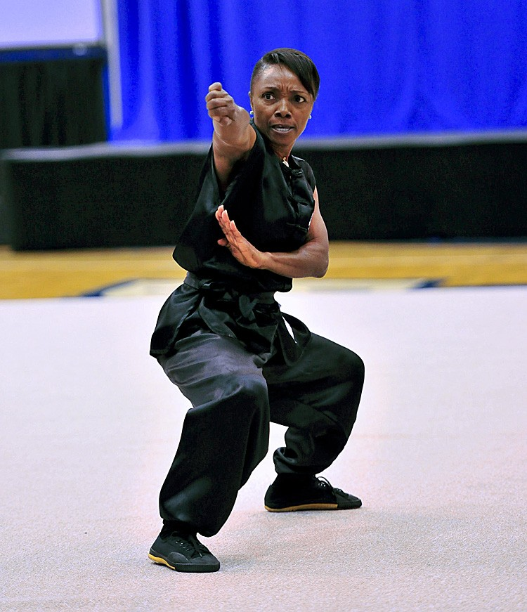 Curline Dvorok, practicing in the Choy Lee Fut School. (Dai Bing/The Epoch Times)