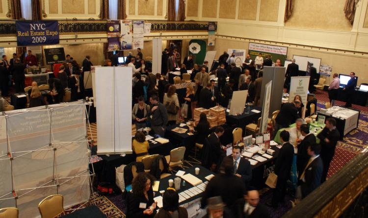 The crowd at the NYC Real Estate Expo held in the Roosevelt Hotel, New York, Oct. 30. (Charlotte Cuthbertson/The Epoch Times)