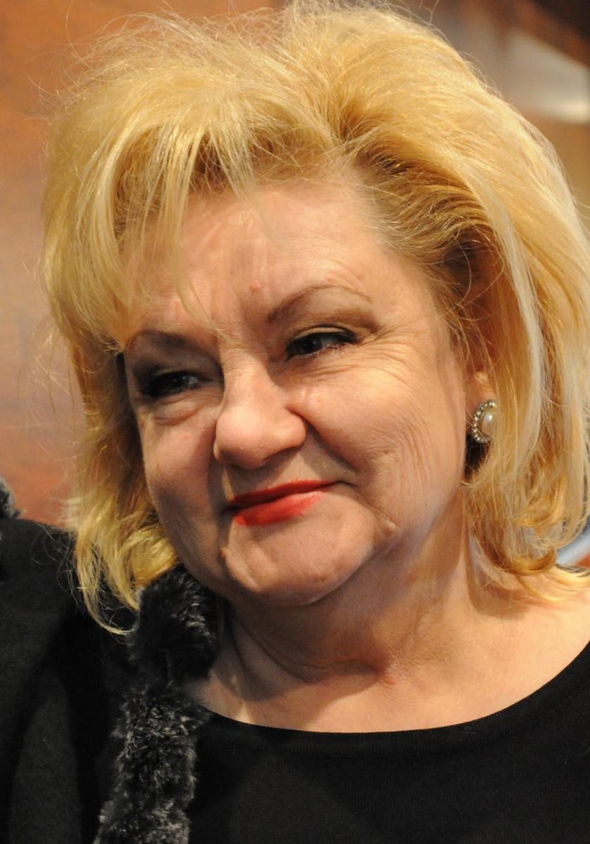 fashion designer Liliih Belcz