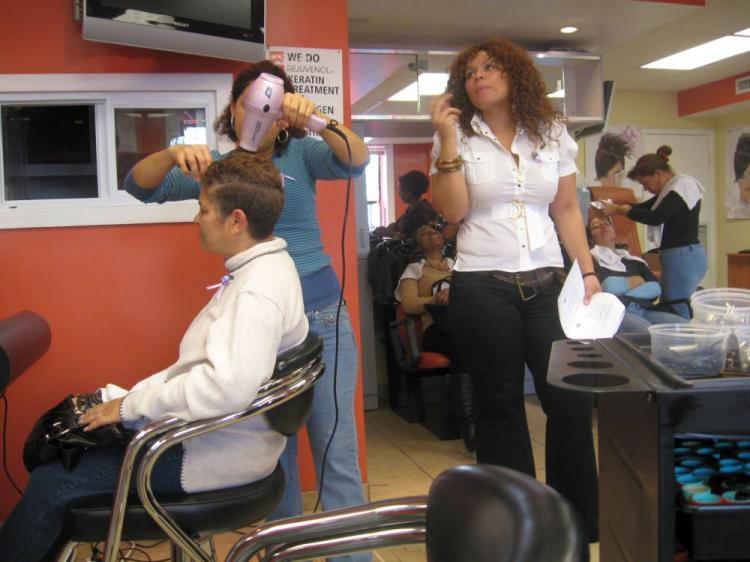 Ingrid Dominguez teaches stylists how to help abused women. (Sharon Kagawa)