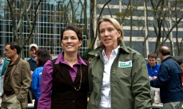 Figure skater Nancy Kerrigan (L) and City Harvest Executive Director Jilly Stephens at Bryant Park. Citibank is working with City Harvest to redistribute 400,000 pounds of food to feed New Yorkers this year.  (Aloysio Santos/The Epoch Times)