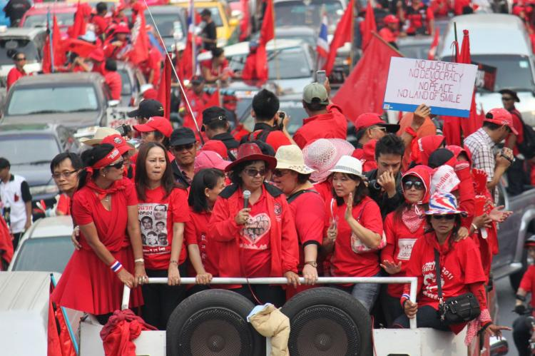 Red shirt anti-government rally through Bangkok, Thailand on Sunday, January 23, 2011. (James Burke/The Epoch Times)