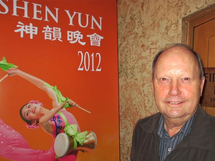Geoffrey Hogbin attends Shen Yun