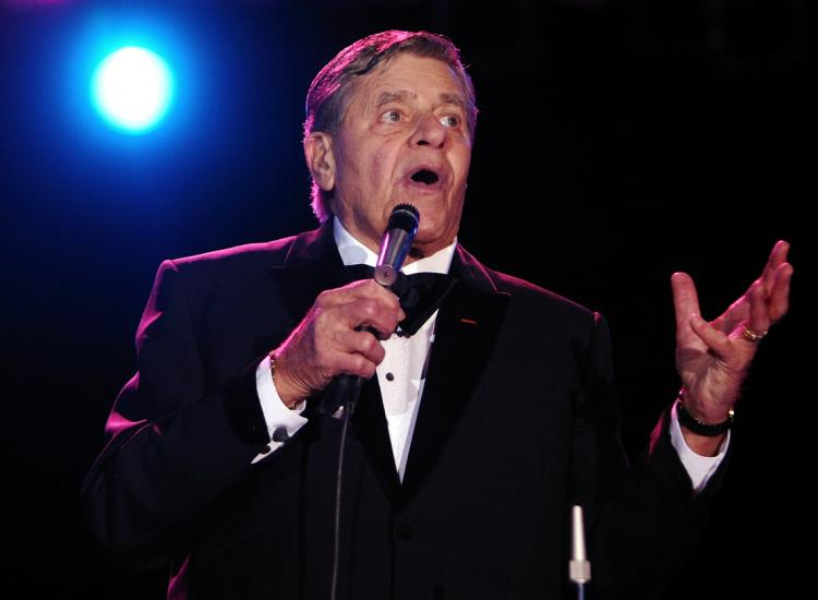 ACTOR JERRY LEWIS:  Performs on stage at the Victorian Racing Clubs Chairman's Dinner in the Atrium at Flemington Racecourse on October 30, 2008 in Melbourne, Australia.   (Kristian Dowling/Getty Images )