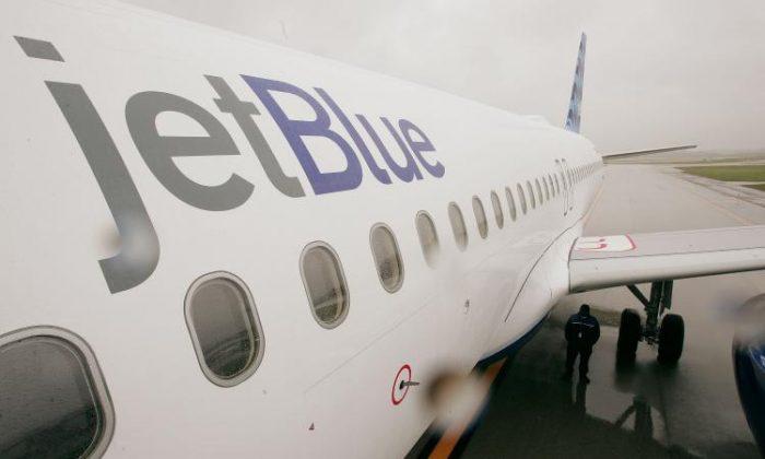 A JetBlue aircraft. (Scott Olson/Getty Images)