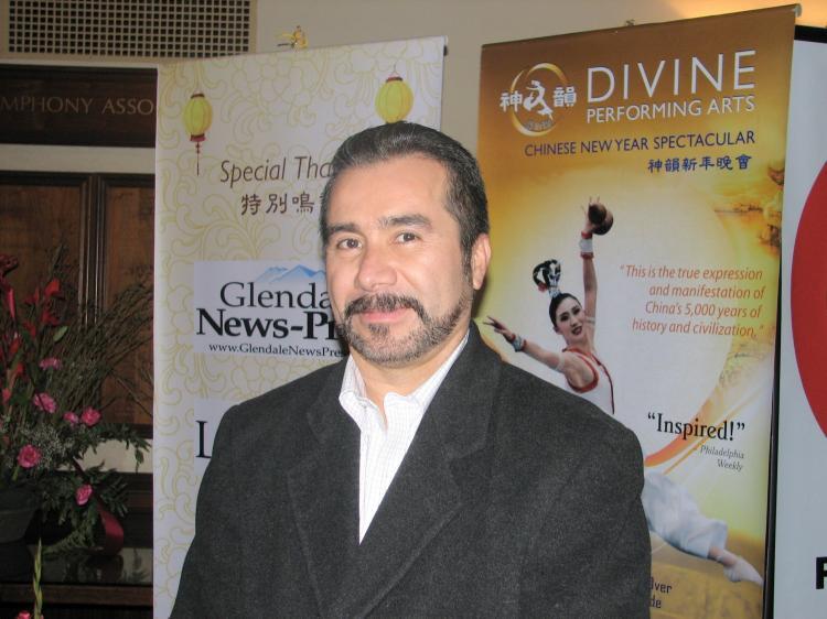 Mr. Hernandez, sales director for El Aviso. (The Epoch Times)