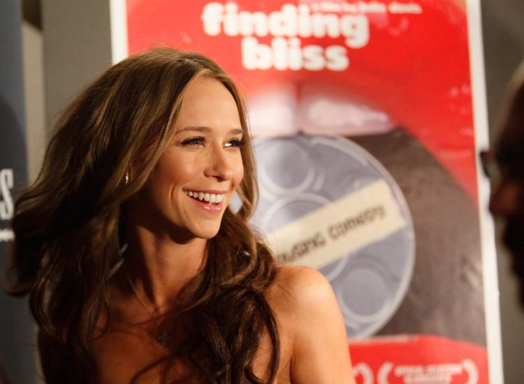 Actress Jennifer Love Hewitt attends the premiere of 'Finding Bliss' at the Art Film Festival Presented by Acura at the Visual Arts Theater on April 7, 2009 in New York City.  (Mark Von Holden/Getty Images)